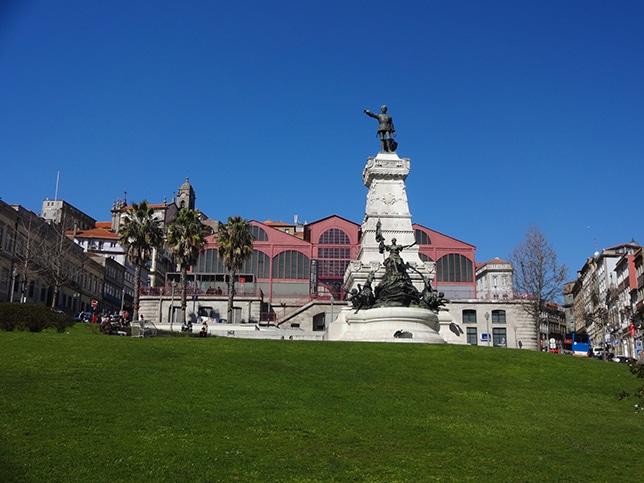 Retraite à l'étranger : au Portugal, la douceur fiscale